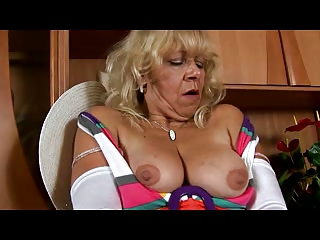 old inside clean stockings enjoys with vagina