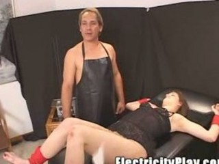 lady penny get shocked n drilled