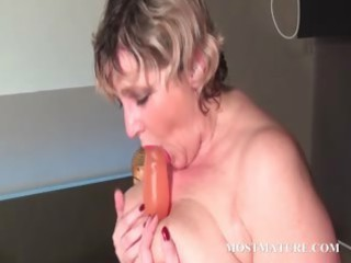 blondie bangs her grownup pussy with vibrator