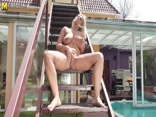 bleached mother true whore dildoing open-air