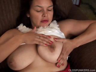 beautiful mature amateur has pretty big boobs