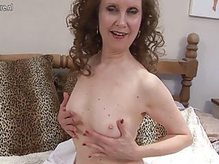 grownup office whore pleasing on her bunk