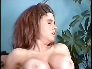 lady into heat gets her vagina pleased