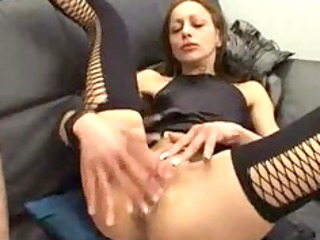 mature is good at spreading her feet