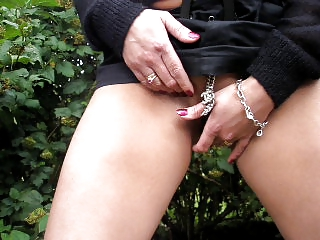 hot wife masturbate outdoor