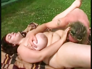 fat mommy at the tennis court (bbw)