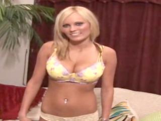 blonde lady masturbation