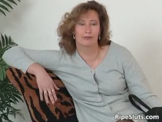 older whore into stockings use giant fuck device