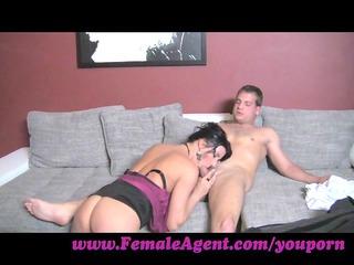 femaleagent. the art of licking