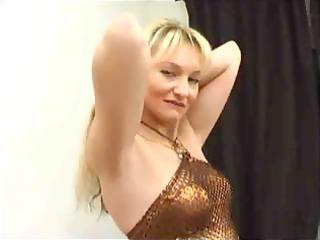 bleached slut sticks a golf ball inside her bottom