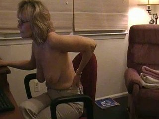 mature camming and cumming