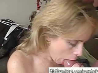 beautiful older chick pandora likes a facial