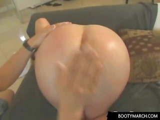 pale girl with strong vagina gives head