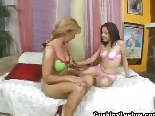 mature on teenage lesbo pair vibrator drilling