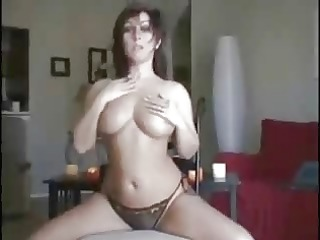 hot babe dancing
