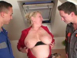 two repairmen bang slutty grandma from both ends
