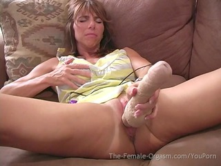 woman with big lips and clit has giant orgasms