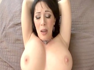 rayveness - extremely impressive older babe gives