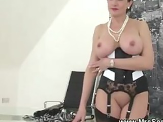cuckold watches lady eat dick