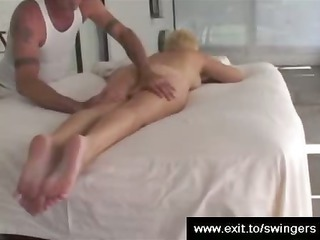 mom tracy obtains massage with cunnilingus end