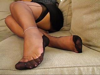 older fully fashioned nylons feet