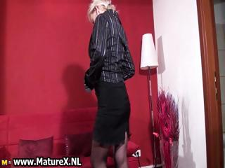 inexperienced blond woman likes showing part5