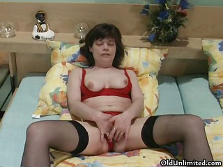 slutty older woman masturbating part5