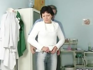 horny mature woman gets part4