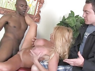 amateur busty blonde cougar babe acquires pumped