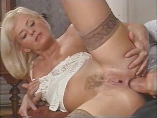 awesome english lady enjoys dual penetration by