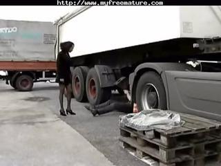 ebony hottie fucked by trucker cougar cougar