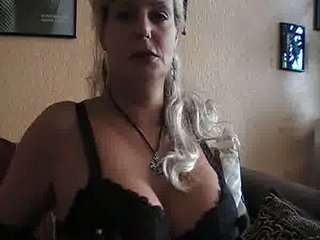 smoking hot bleached cougar