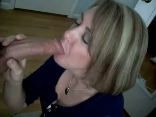 naughty maiden shows her sucking skills to the
