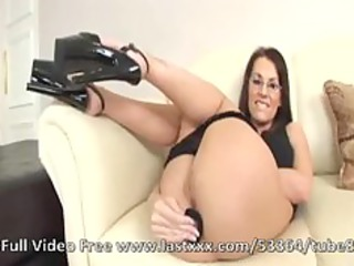 aaliyah edwards arse and facial brunette milf