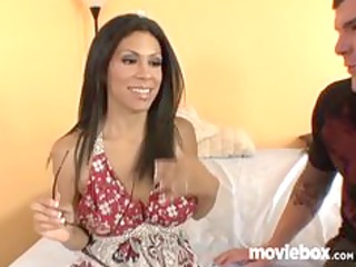latin babe cheats on friend with amateur stud