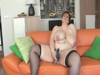 unforgettable shorthairbig stunning girl mother