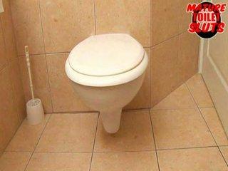 grown-up toilet sluts-valery