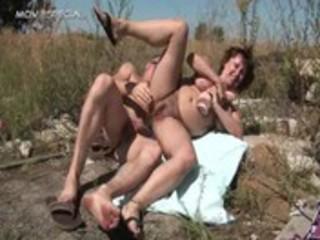 slutty cougar babe obtains her bushy muf