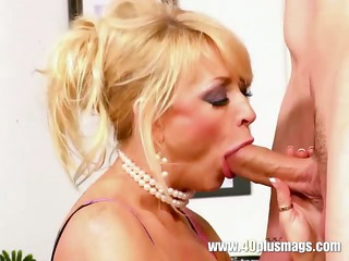 hot mature angel knows how to blow