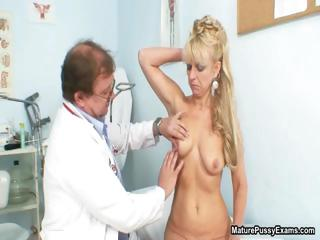 blond older lady gets fulyl examed part2