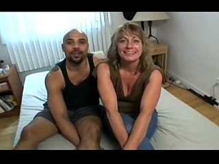 cougar housewife getting brown cock