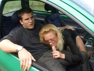 french older fucks anally inside a twingo