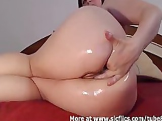 fingering my gaping anal till i piss myself