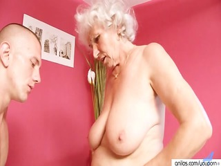 older old betty copulates inexperienced dick