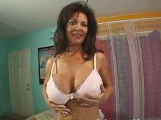 deauxma - hot milf next door