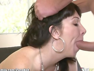 daughter catches woman obtaining butt drilled