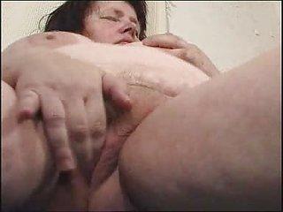 chunky milf didles with her chucky bitch fm14