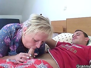 elderly granny is fucked by an young pickuper