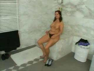 plumber acquires care of mature babe pussy