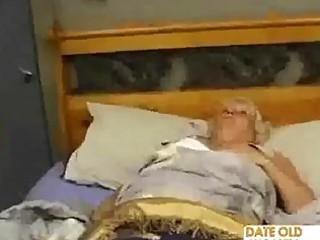 heavy older fucks the massage guy